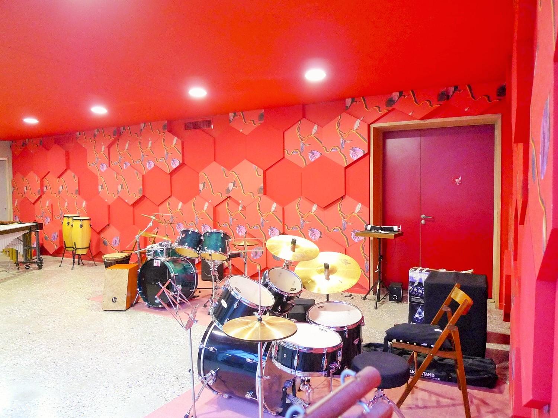 Panneaux acoustiques - Panneaux Acoustic Panel 2V design posé au mur par collage e forme d'hexagones