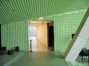 Panneaux acoustiques - Panneaux Ambiance relief pyramide color posé au mur et plafond par collage