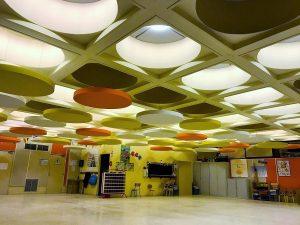 Capteurs & ilots acoustiques - Capteurs & ilots Capteur Absorber Equilibre color posé au plafond par suspension en forme de cercle