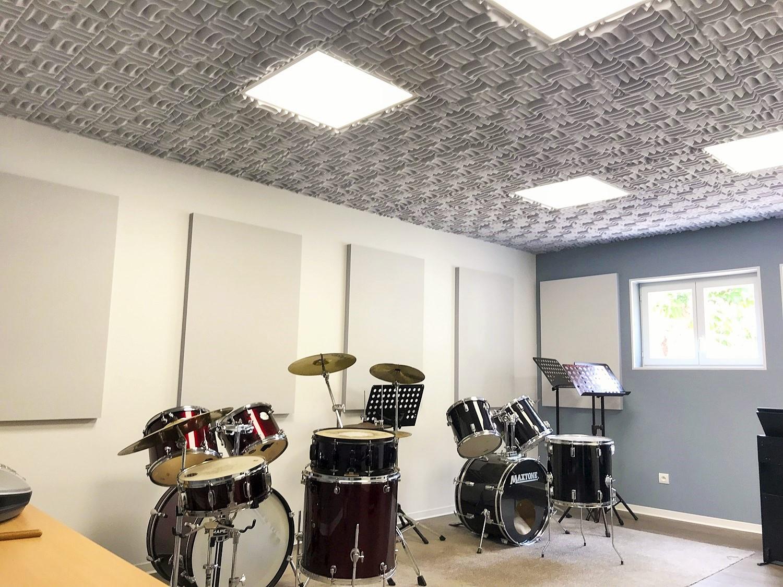 Panneaux acoustiques - Panneaux Ambiance relief sonex posé au plafond par collage