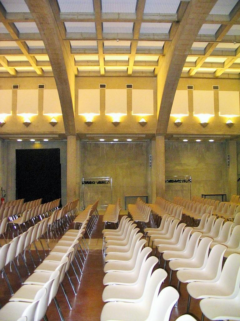 Panneaux acoustiques - Panneaux Ambiance relief pyramide posé au plafond par collage