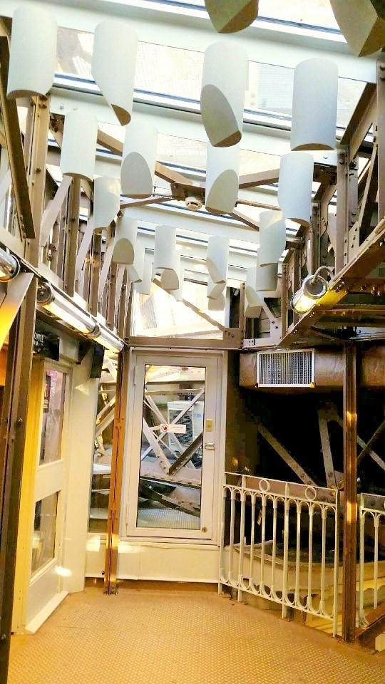 Baffles & objets acoustiques - Baffles & objets Baffles Absorber Rondo posée au plafond par suspension aimanté
