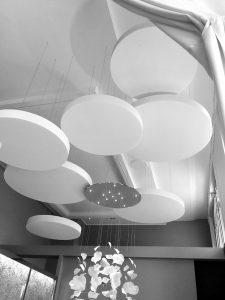 Capteurs & ilots acoustiques - Capteurs & ilots Capteur Absorber Equilibre design posé au plafond par suspension en forme de cercle