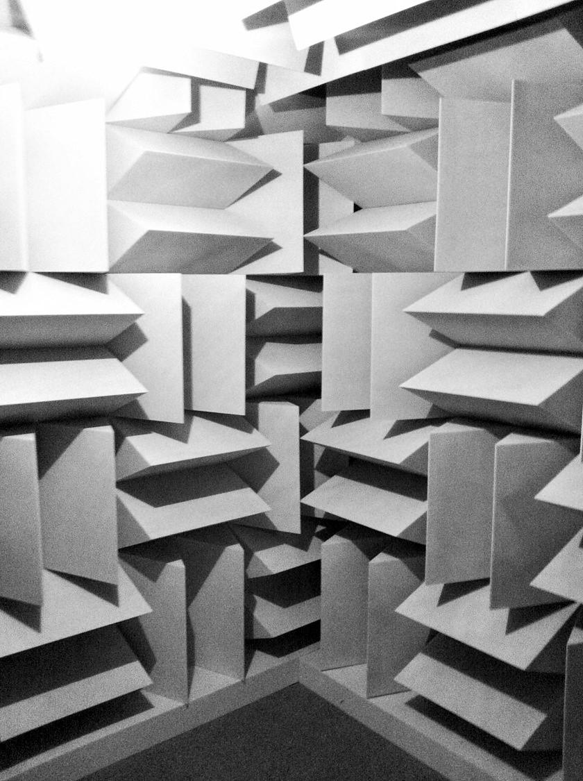 Design acoustique - Design Forme acoustique sur mesure - dièdres pour chambre sourde
