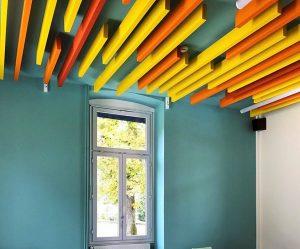 Baffles & objets acoustiques - Baffles & objets Baffle Absorber Linear color posée au plafond par collage