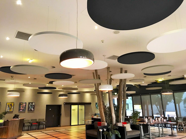 Capteurs & ilots acoustiques - Capteurs & ilots Capteur Acoustic Panel 2V color posé au plafond par suspension en forme de cercle