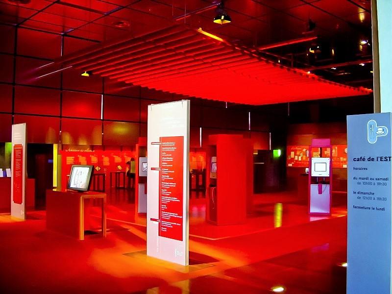 Baffles & objets acoustiques - Baffles & objets Baffles Absorber Rondo color posée au plafond par suspension