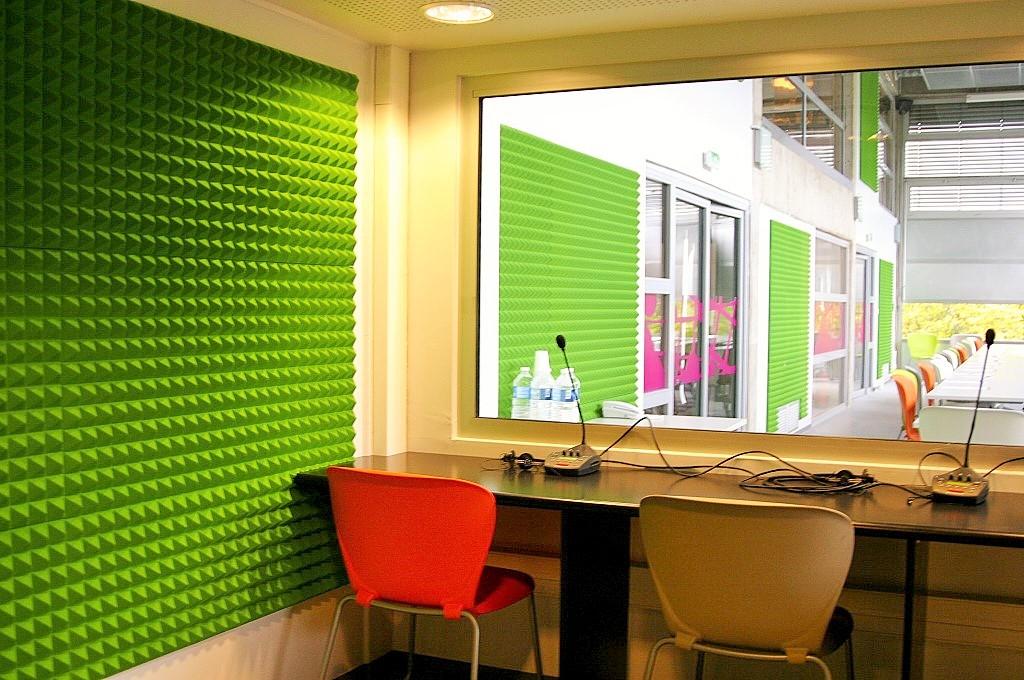 Panneaux acoustiques - Panneaux Ambiance relief pyramide color posé au mur par collage